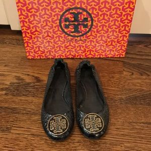 Tory Burch Flats - Black Croc with Gold Logo